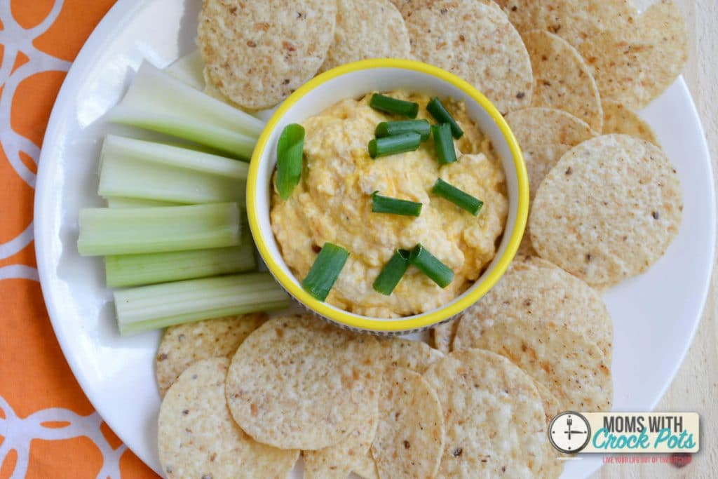 A perfect dip to serve for game day! Check out this super simple and tasty Crockpot Buffalo Chicken Dip Recipe