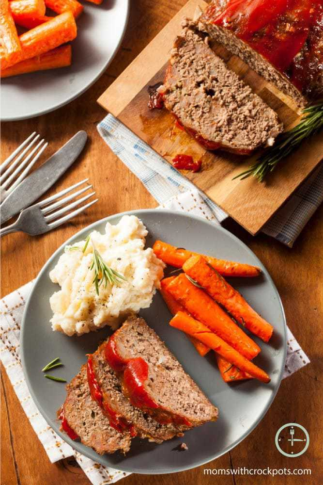 A classic dinner made with the help of your slow cooker! Try this easy and delicious Crockpot Meatloaf recipe that the entire family will love!