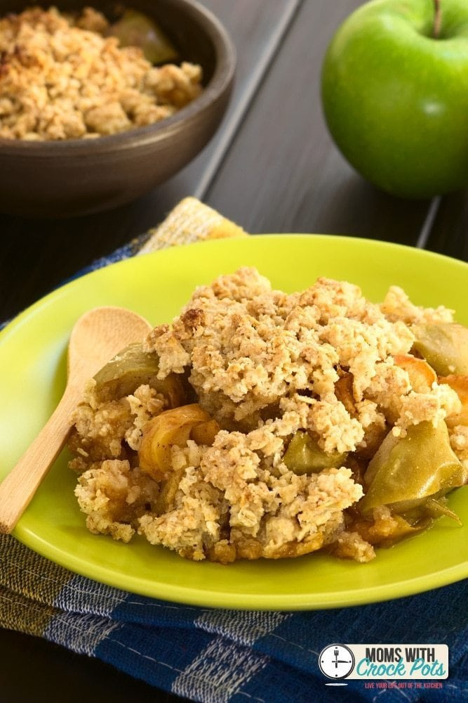This Crockpot Apple Granola Crumble recipe can pass for breakfast, or even as dessert with a scoop of vanilla ice cream. It is so tasty you will feel guilty eating this healthy treat.