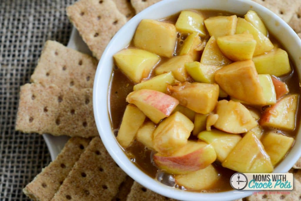 A out of this world Fall Dessert! This Crockpot Caramel Apple Pie Dip recipe is super simple and a great addition to any get together or family night.