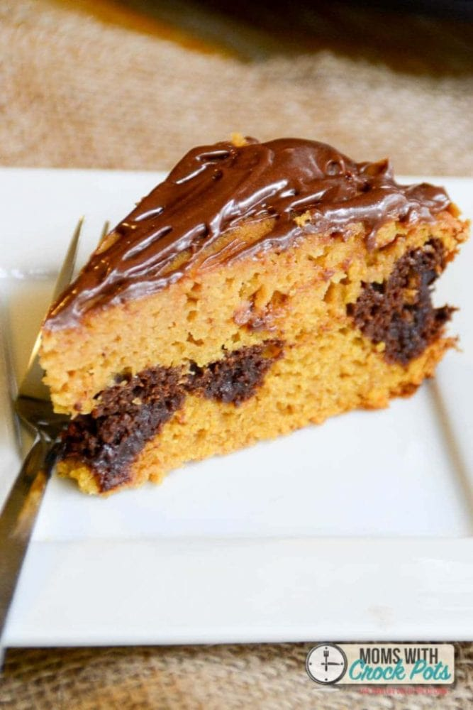 Delicious fall treat! Check out this easy Crockpot Pumpkin Chocolate Swirl Cake Recipe! It can be made gluten free & dairy free too!