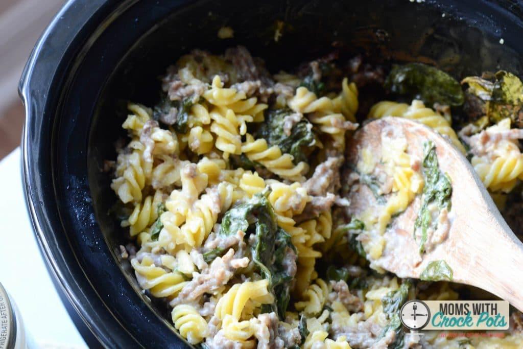 Crockpot Sausage Alfredo Pasta -1-4