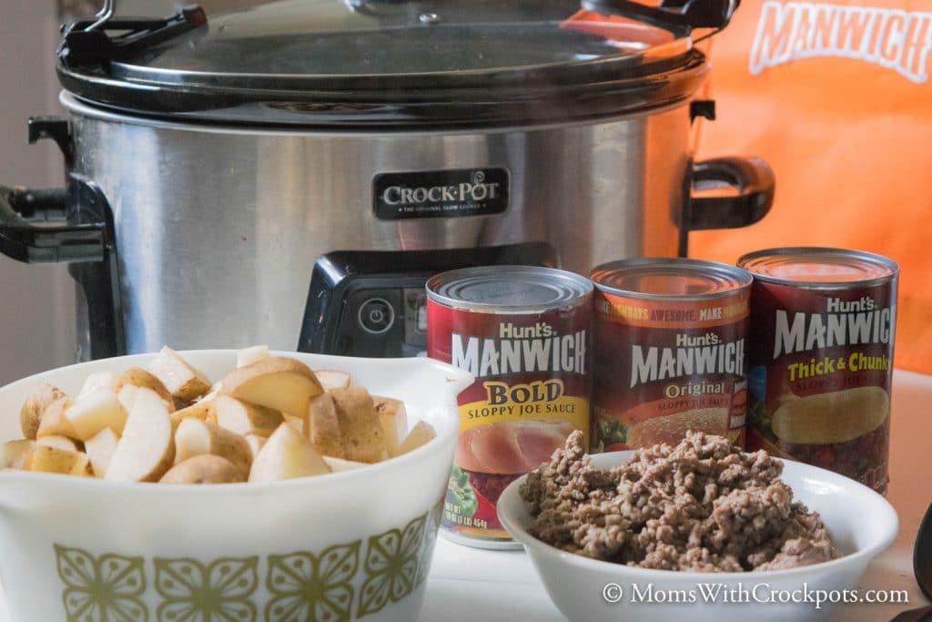Looking for a quick and easy supper that will put a smile on everyones face...even the kids?! check out this yummy Crockpot Sloppy Joe Casserole Recipe!