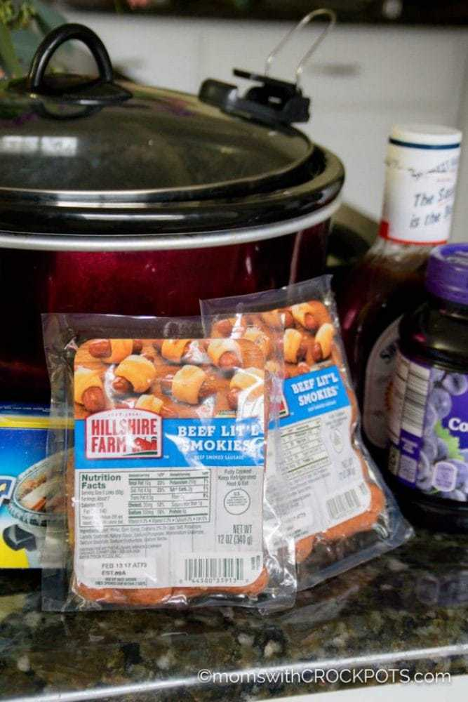 A slow cooker classic! Get this Crockpot Grape Jelly & BBQ Little Smokies Recipe! It's a keeper!